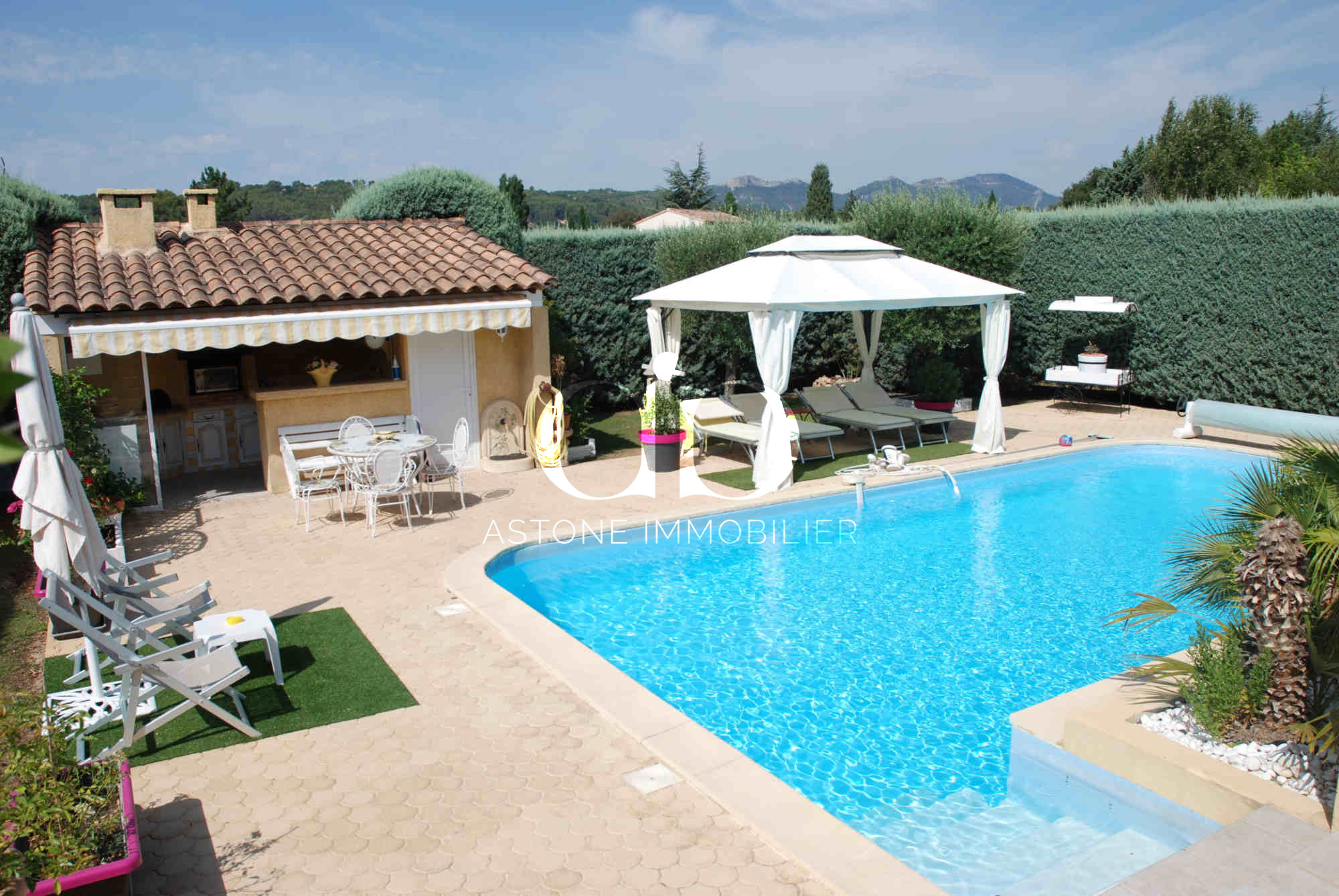 La bouilladisse nice villa in a sought after area for sale for Piscine orsole