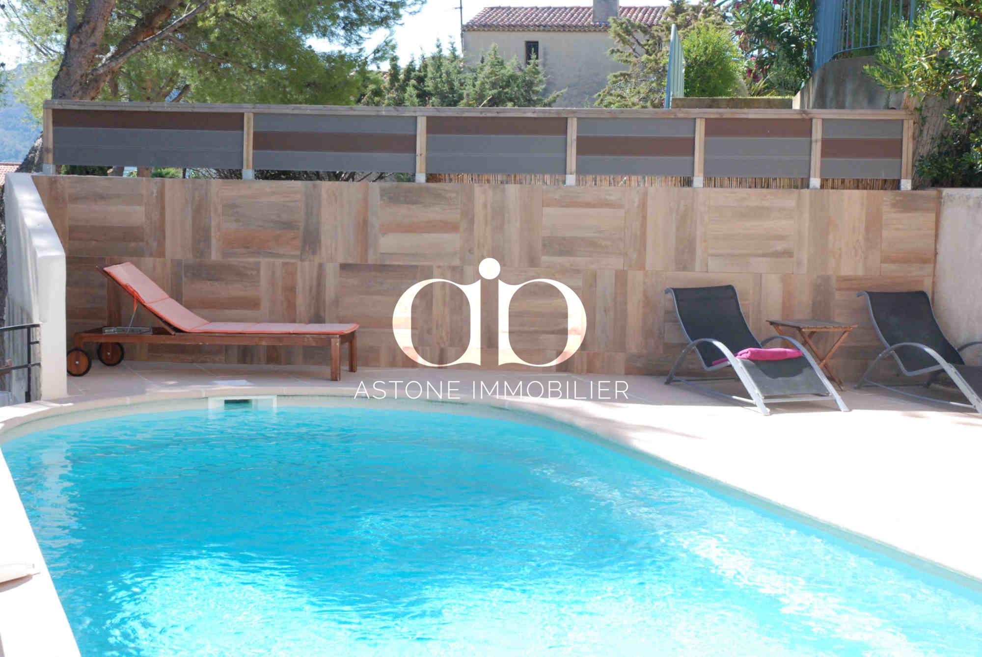 Cassis villa avec beaucoup de charme a vendre astone for Piscine 9eme